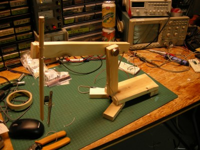 The cheap and quick measuring arm, this image doesn't show the wiring or the board behind it.